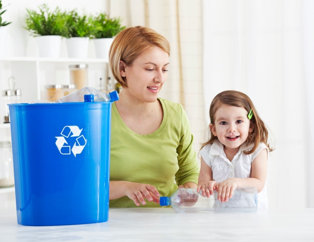 teaching toddlers recycling